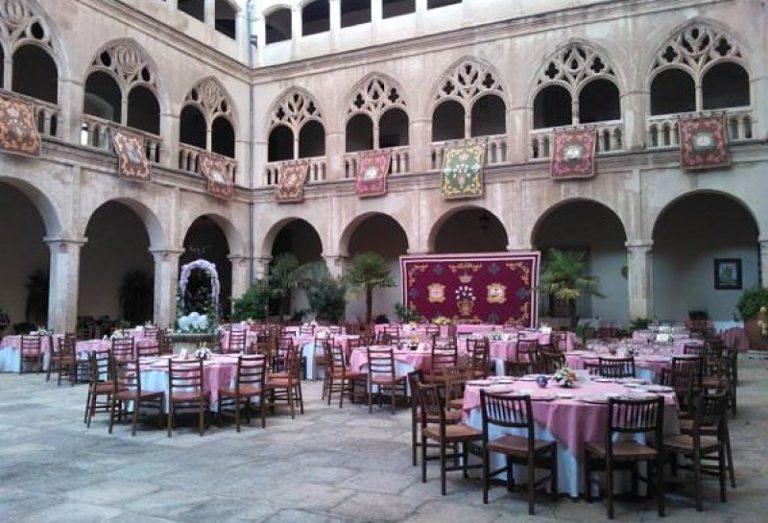 Restaurante de la Hospedería del Real Monasterio de Guadalupe Geovilluercas